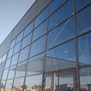 Фасад из закаленного стекла