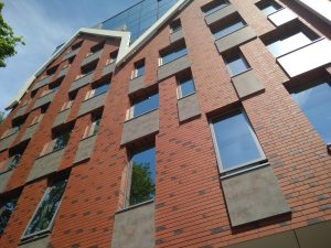 Оформление фасада отеля